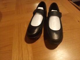 Shenn wedged black shoes size37 brand new