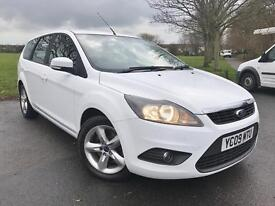 Ford Focus Zetec Tdci (white) 2009