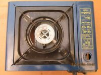 Camping gas stove including gas cylinders