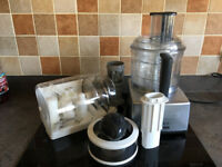Magimix 5200 in a silver grey colour with accessories