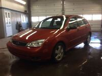 2005 Ford Focus ZX5 SES  AS-IS SPECIAL