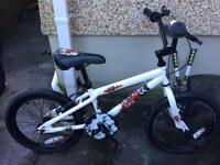 Apollo child's bike