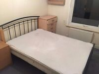 Double room in Mitcham. Available from 30/10