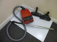 MIELE COMPELTEC CAT & DOG HOOVER £45