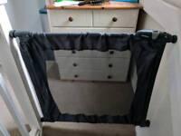 Travel baby gate - Lindham flexiguard