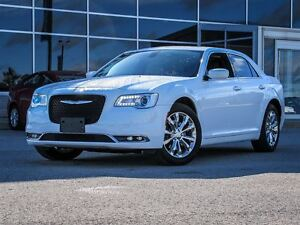 2016 Chrysler 300 AWD| Heated Leather Seats| Rear View Cam.|