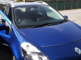 Renault clio estate ,petrol ,Automatic, blue