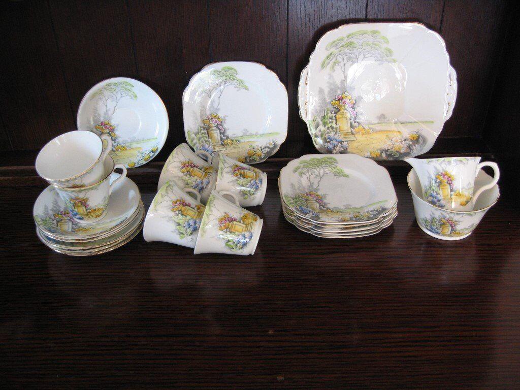 Beautiful garden design Melba fine bone china gilt edged set