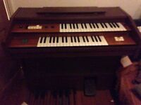 Electric Organ in Working Condition