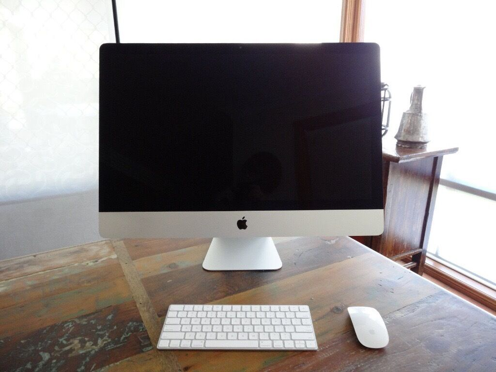iMac 27 inch, Retina 5K, Late 2015, 3.2GHz, 8GB RAM, 1TB HDDin Littleport, CambridgeshireGumtree - Had very little use, power on time 10 days and 15 hours. (please check last picture) Still has warranty till 27Mar2017. Eligible for Apple Care protection plan. Immaculate condition and perfect working order. No box, comes with keyboard and mouse....