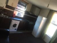2 bed flat fully furnished only minutes walking distance from centre of Leeds c/tax,water,Int Inc