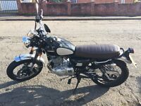 Excellent Condition 250cc Sinnis bike. Retro Style.