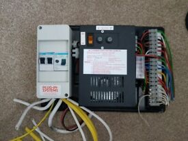 Caravan, camper or motorhome power supply and battery charger KT12
