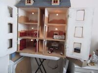 Dolls House Victorian Town House style