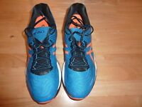 Asics Gel-nimbus 18 Mens Trainers UK Size 9 Only asking £60 for them