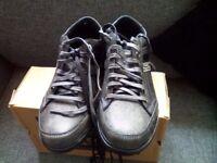 Men's shoes (SKECHERS)size uk7/eu41,,,NEVER WORN STILL IN BOX