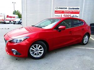 2014 Mazda MAZDA3 SPORT GS + GROUPE COMMODITÉ CLIMATISEUR PHARES