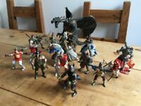 set of 10 knights, 3 monster knights, 2 horses and a big dragon