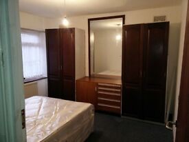 Large Double Room Harrow Wealdstone (£600 including bills)