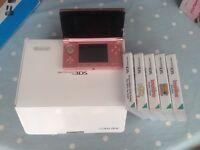 Nintendo 3DS console plus 5 games