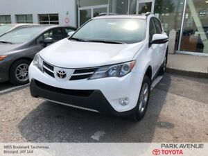 2015 Toyota RAV4 XLE+TOIT+CAMERA+MAGS+SIEGES CHAUFFANTS