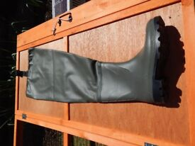 Ron Thompson Thigh Waders