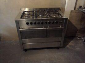 DeDietrich 5 burner electric/gas cooker