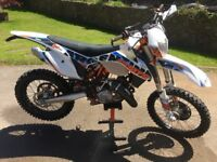 Excellent condition low hours!!!! 2015 125 KTM EXC 6DAYS