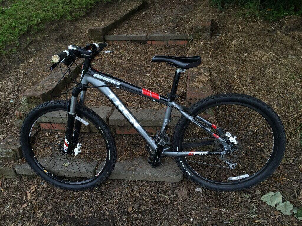Trek 6300 Mountain Bike Rock Shox Tora Avid Juicy Brakes 15 5