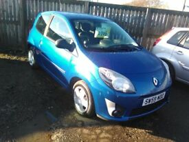2010 Renault Twingo 1.2 Extreme 1yrs mot only 44000 miles two lady owners (same family)
