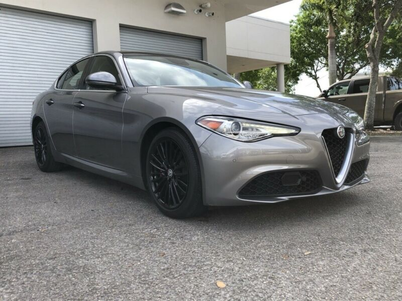 Image 2 Voiture Européenne d'occasion Alfa Romeo Giulia 2017