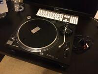Technics SL1210 dj turntable