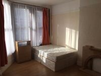 ***BILLS INCLUDED*** Spacious Double Room available minutes from Turnpike Lane Tube Station.