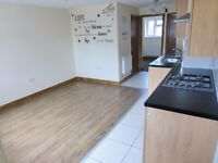 2 BED GROUND FLOOR FLAT TO LET LE5 1RL*PARKING*GARDEN