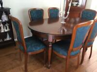 Beautiful Dining Table plus Chairs