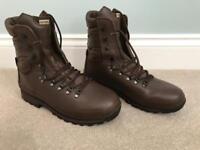Men's Altberg Defender Military Boots - Brown