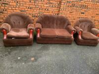 Cheap fabric suite, sofa, couch, settee, chair (free local delivery 🚚🚚🚚)