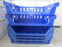 Stacking / nesting catering baskets