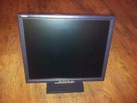 "£34.99 DELL 7R415 MODEL E171FP 17""INCH LCD DARK GREY / GRANITE FLAT MONITOR GRADE B"