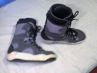 Snowboard boots size 10.5uk