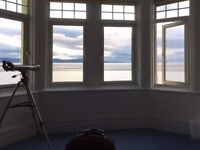 Beautiful modern 2/3 bedroom waterfront flat in West Kirby, fantastic views.