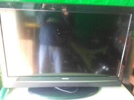 32 inch hitachi tv [sold ]