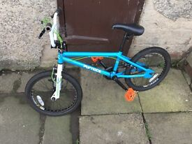 Boys blue bmx good condition my son has out grown it