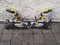 Roller Blades ( inline skates ) size 8/9 very little use.