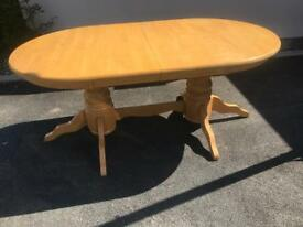 Solid wood extendable 8 seater table