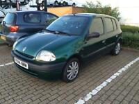 Renault Clio 1.2 petrol long mot 5 doors great conditions