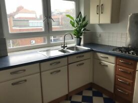 Wonderful SE1 Location Light 2 Double Bedroom Flat to rent, Seperate Living Room and Kitchen.
