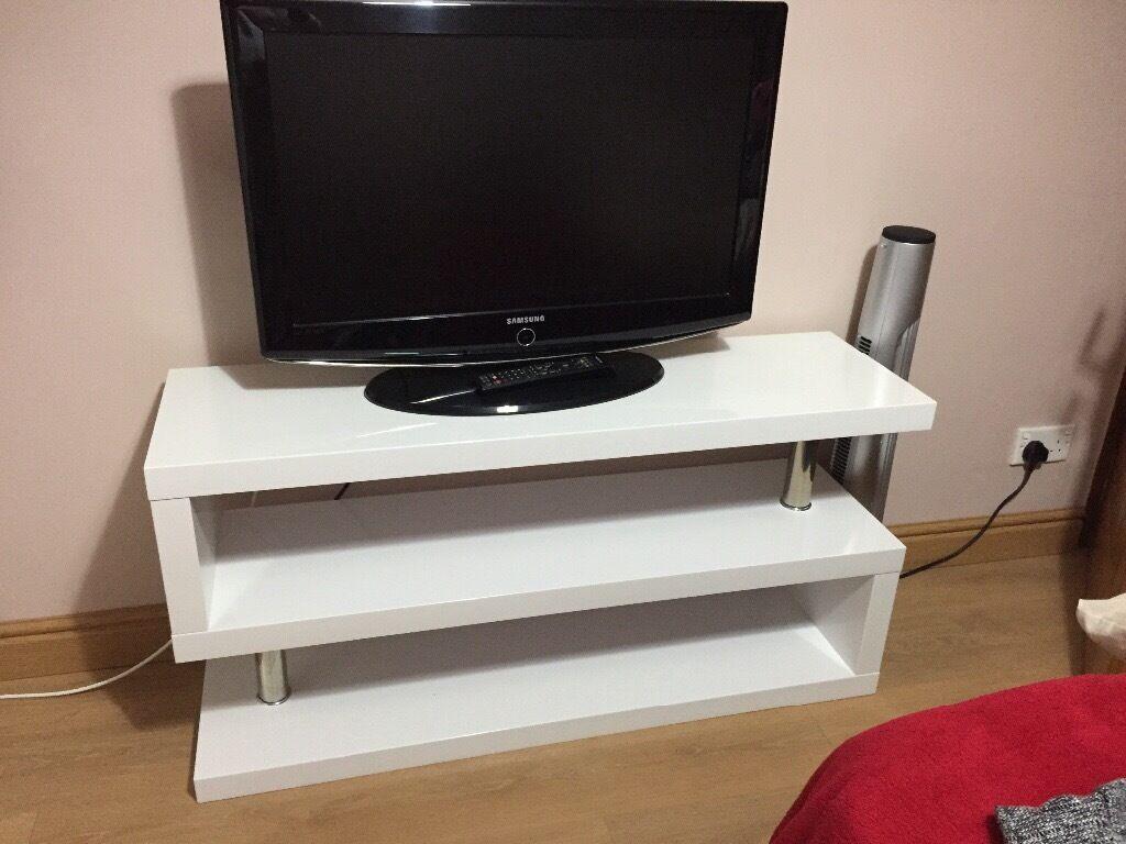 Modern white gloss stand
