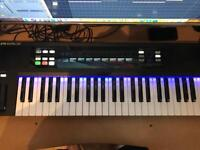 Native Instruments Komplete Kontrol S49 For Sale (Mint Condition)