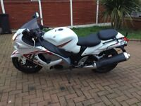 2008 58 Suzuki hayabusa gsx 1300 rk8 only 13.5k miles white with full baggage and rear seat,0 to 60